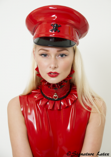 Latex lace frilled collar with D/ring post